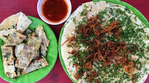 Bánh tráng mắm ruốc – Ăn vặt hút khách ở Quảng Ngãi