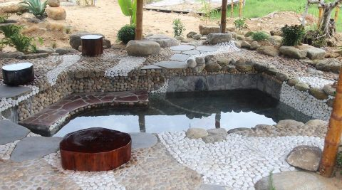 Bí quyết của phụ nữ Nhật: đẹp nhờ tắm suối nước nóng
